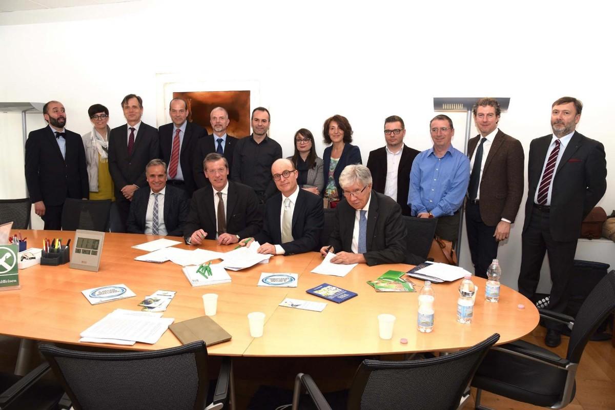Vertreter von Confprofessioni, Cadiprof, Mutual Help, Raiffeisen und der lokalen Gewerkschaften